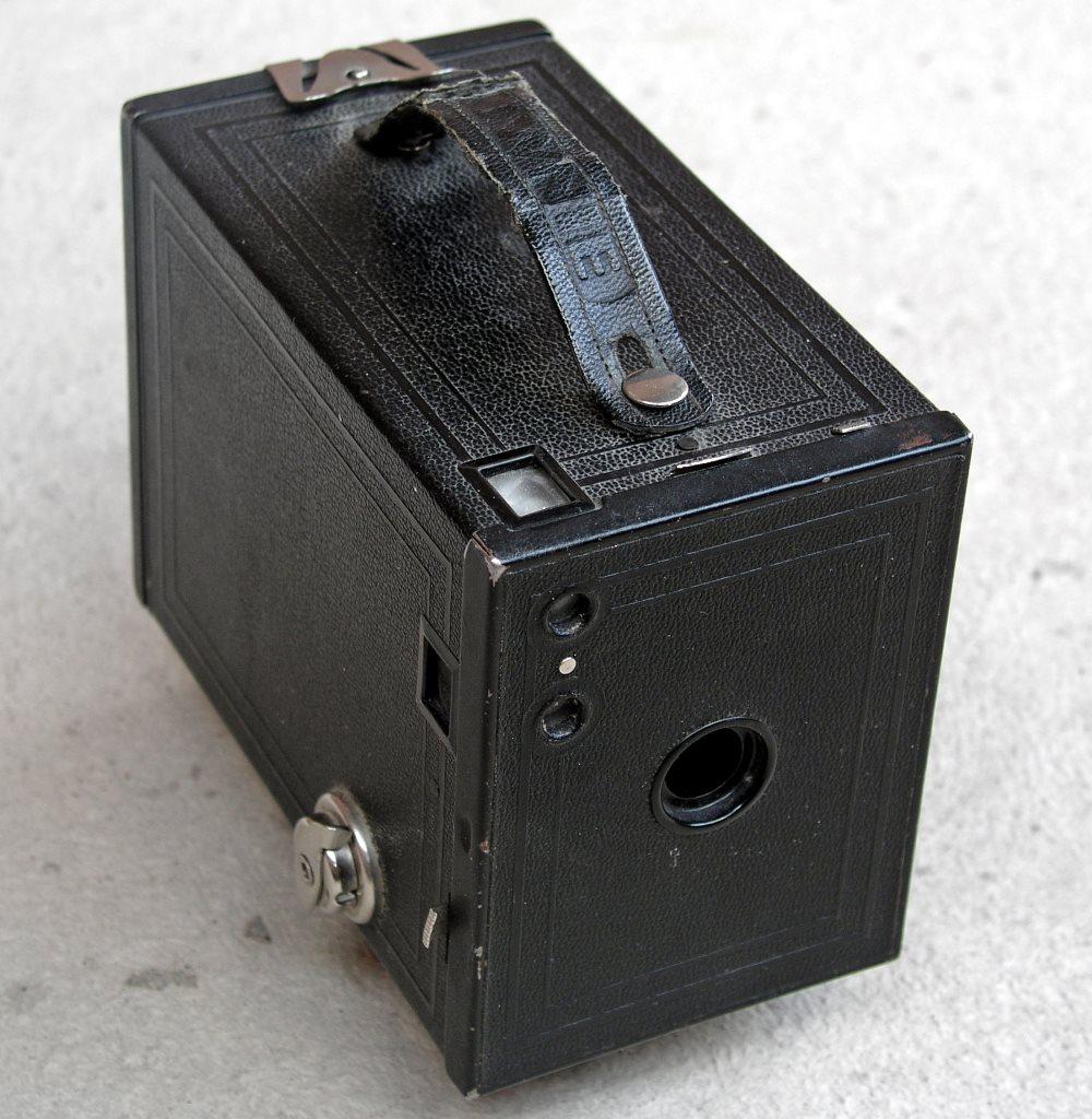 Η Brownie 2, μια από τις πρώτες και δημοφιλέστερες μηχανές με φιλμ.