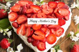 Χρόνια πολλά μητέρα, μανούλα, μαμά!