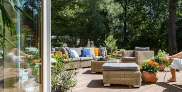 Προετοίμασε τη βεράντα και τον κήπο για το καλοκαίρι