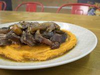 Μοσχάρι μπούτι με πουρέ γλυκοπατάτας – Γιώργος Τσούλης – Chef στην Πρίζα