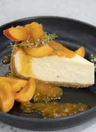 Cheesecake με σάλτσα βερίκοκο και μέλι – Κουζίνα: Μαζί με τον Ανδρέα και την Ελένη