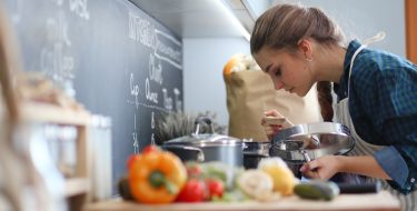 Φοιτητική κουζίνα: εξόπλισε την με τα απαραίτητα