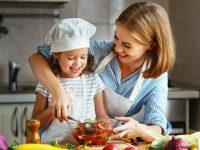 Συνταγές παρέα με τα παιδιά