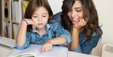 Πόσο, πότε και πώς να ασχολείσαι με το διάβασμα του παιδιού σου