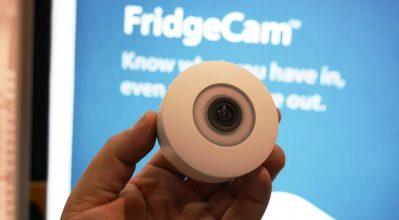 CES 2017: FridgeCam η κάμερα που βλέπει και σε ενημερώνει για το εσωτερικό του ψυγείου!