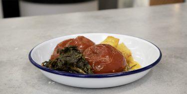 Γεμιστές ντομάτες στην κατσαρόλα – Κουζίνα: Ιστορίες με τον Ανδρέα Λαγό