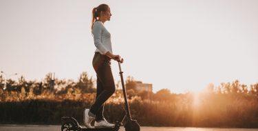 Καλοκαιρινές εξορμήσεις με ηλεκτρικό ποδήλατο και πατίνι