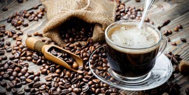 3 λόγοι για να βάλεις έναν καφεκόπτη στην κουζίνα σου