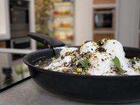 Black Forest στο τηγάνι με παγωτό βανίλια και γλυκό του κουταλιού βύσσινο – Κουζίνα: Ιστορίες με τον Ανδρέα Λαγό