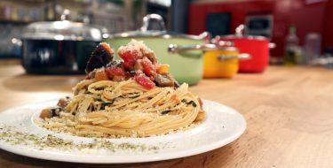 Μακαρονάδα alla Norma – Γιώργος Τσούλης – Chef στην Πρίζα
