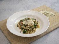 Κοφτό μακαρονάκι με κιμά και σπανάκι – Κουζίνα: Ιστορίες με τον Ανδρέα Λαγό
