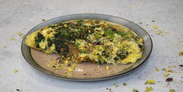 Σουφλέ ομελέτα με σπανάκι – Κουζίνα: Ιστορίες με τον Ανδρέα Λαγό