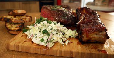 Ψητά Χοιρινά Παϊδάκια Γλασαρισμένα με Barbecue sauce – Γιώργος Τσούλης – Chef στην Πρίζα