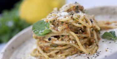 Spaghetti με pesto ψητής πιπεριάς – Κουζίνα: Μαζί με τον Ανδρέα και την Ελένη