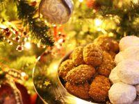 Η ιστορία των χριστουγεννιάτικων γλυκών