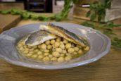 Ρεβιθάδα με τσιπούρα – Γιώργος Τσούλης – Chef στην Πρίζα