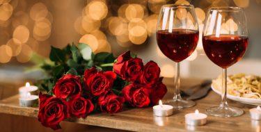 Ρομαντική ατμόσφαιρα στο σπίτι για του Αγίου Βαλεντίνου