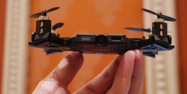 CES 2018: SELFLY, η θήκη smartphone που μετατρέπεται σε drone