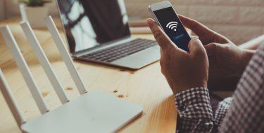 Πώς μπορείς να έχεις Internet σε όλο το σπίτι με Powerlines