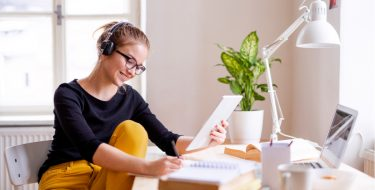 Tips για να οργανώσεις τον χώρο μελέτης στο σπίτι