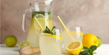 Φτιάξε εύκολα σπιτικά αναψυκτικά