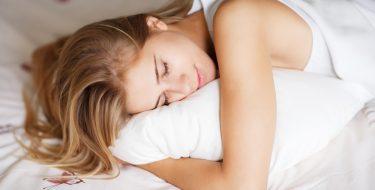 20 tips για δροσερό ύπνο τις ζεστές νύχτες του καλοκαιριού