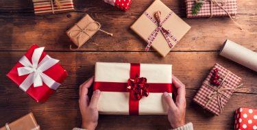 Οι φίλοι με τα δώρα