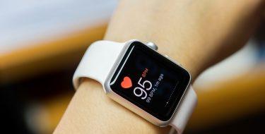 Activity trackers vs Smartwatches: ποιο είναι το κατάλληλο για εσένα;