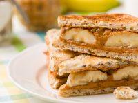 Τοστ με φιστικοβούτυρο, μέλι και μπανάνα