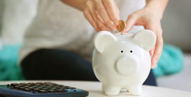 Mύθοι για την εξοικονόμηση ενέργειας που αντί να σου γλιτώνουν ρεύμα, επιβαρύνουν τους λογαριασμούς σου