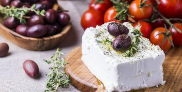 H φέτα και τα υπόλοιπα λευκά τυριά