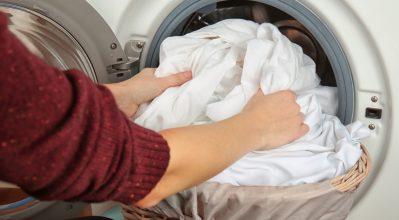 Άπλωμα ρούχων μέσα στο σπίτι: Μείωσε την υγρασία