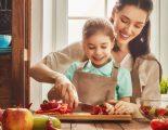 Μαγειρεύοντας παρέα με τα παιδιά