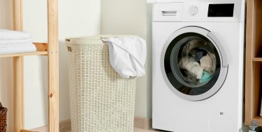 Φοιτητικό σπίτι: Συμβουλές για να επιλέξεις πλυντήριο ρούχων και για οικονομική χρήση του