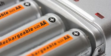 Όσα πρέπει να γνωρίζεις για τις επαναφορτιζόμενες μπαταρίες