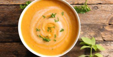 Σούπα λαχανικών με ταχίνι