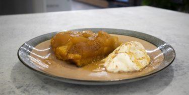 Tarte Tatin Μήλου – Κουζίνα: Μαζί με τον Ανδρέα και την Ελένη