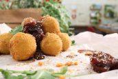 Τυροκροκέτες με Σύκα σε Μαυροδάφνη και μπαχαρικά  – Chef στην Πρίζα
