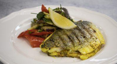Τσιπούρα με σαλάτα μπριάμ – Κουζίνα: Ιστορίες με τον Ανδρέα Λαγό